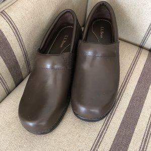 L.L. Bean brown clogs